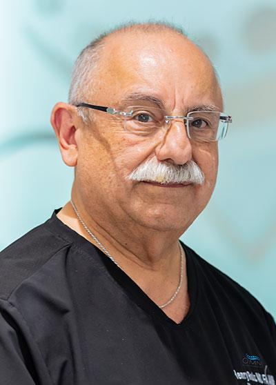 Dr Henry Ruiz